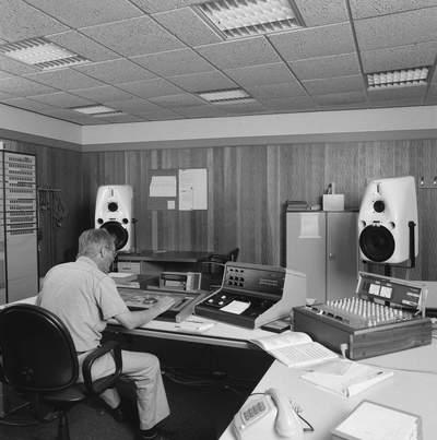 PRODUCTIEMIDDELEN VAN NOB DIVISIE RADIO - 11-05-1988