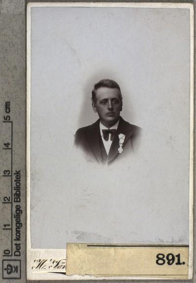 Niels Vrigsted Krogh Pedersen
