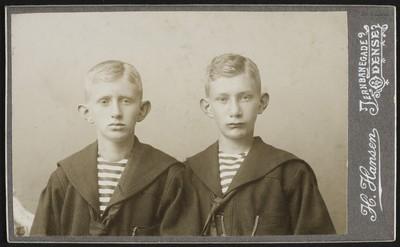 Kaj og Christian Nøkkentved, aug 1903.