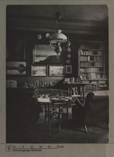 Herreværelse, møblement tilhørende amtmand baron Axel Bille Brahe, 1903