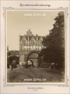 Neubrandenburg, Treptower Tor (Außenseite)