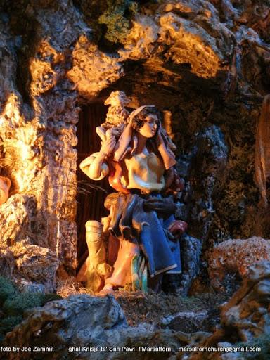 Neapolitan Crib 14