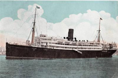 Vapor REINA VICTORIA EUGENIA , de la Cia Trasatlantica , al port de Barcelona