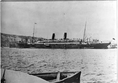 Paquebot ALFONSO XIII ( 2 ) , de la Cia Trasatlantica , al port de Barcelona