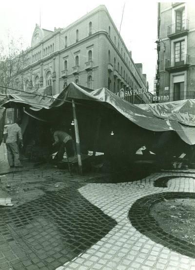 Miró Rambles - Vista general de les obres de col·locació del mosaic