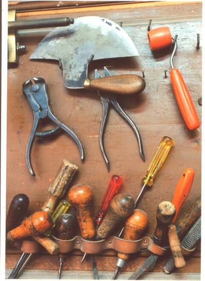 Eines utilitzades per Pere Frigola, baster de Banyoles