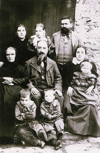 La família Ribera (Cal Col·lector), pioners de l'actual destil·leria.