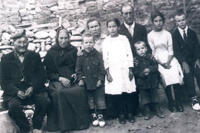 La família Torra de Sant Salvador de Toló, nissaga de carters rurals amb 5 generacions
