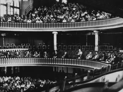 Vista general del públic i del jurat durant la prova final de la XXXIII edició del Concurs Maria Canals