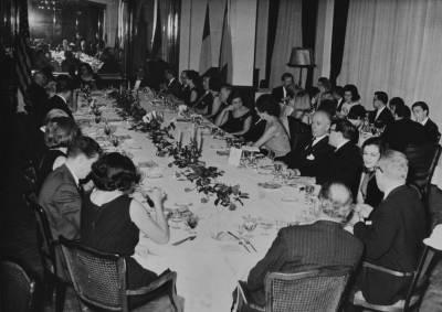 Vista general del sopar dedicat als membres del jurat en el marc de la X edició del concurs Maria Canals