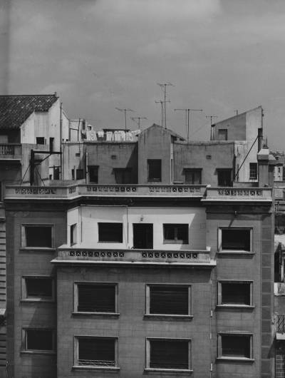 Reportatge de la primera seu de l'Acadèmia Ars Nova situada a la Rambla Catalunya 90