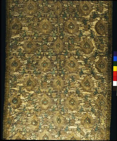 Brocaded silk dress fabric, Italy, 1600-1620.