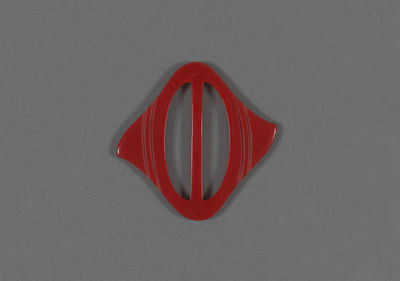 Oval plastic belt buckle, Europe, 1930s.Moulded and incised plastic