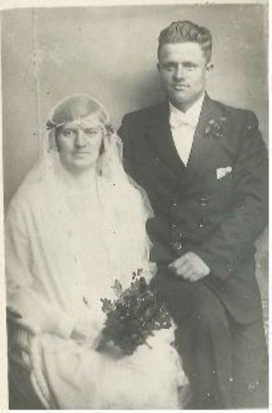 Gamle bryllupstradisjoner i Jøsundet på Smøla.