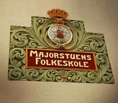 Nydelig skilt på Majorstua skole
