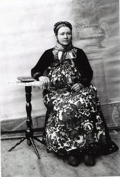 Birgit Dokk (1855-1939), fødd Åse, frå Nes i Hallingdal.