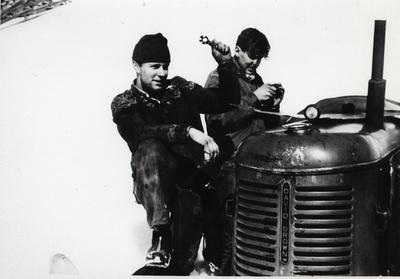 Jakob Eikre og Nils Kåre Eikre, ca. 1962
