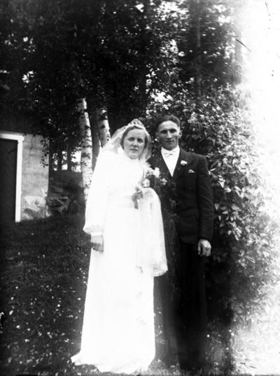 Portrett av brudepar.