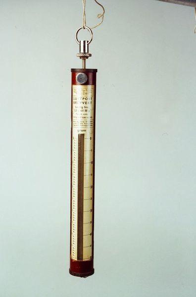 postmuseet, gjenstander, vekt, postvekt, fjærvekt, luftpost brevvekt 2,5 - 50 g