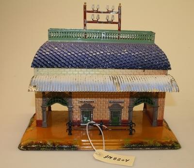 Modell av stasjonsbygning