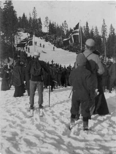 Holmenkolldagen, skibakke, hopprenn, publikum, snø