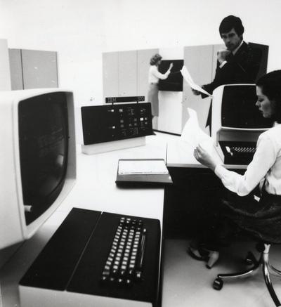 22.0 IBM Modell 3000 / 30XX