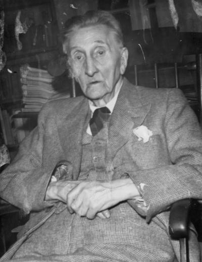 Forfatter Sigurd Mathiesen som gammel mann.