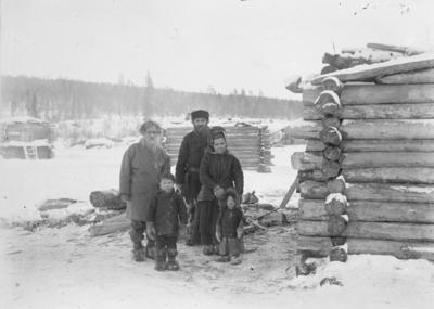 Skoltesamer, muligens fra Suenjel 1903.