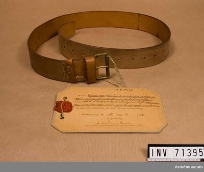 Livrem m/1898, Livrem, sabelkoppel m/1898 för officerare, spel och manskapModellexemplar : Grupp C. Tillhör revolverfodral m/1898 till 1867 års revolver för officerare,spel och manskap.
