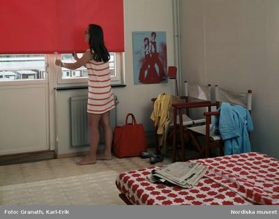 Interiör : Sovrum Kläder : Damkläder Kvinna Möbler