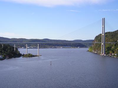 Broene over Brevikstrømmen