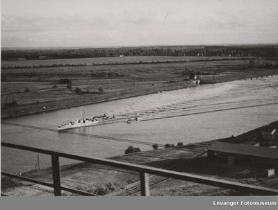 Oversiktsbilde fra Rendsburger Hochbrucke over Kielkanalen