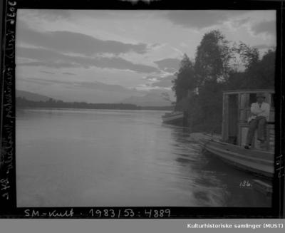 Båter på elven