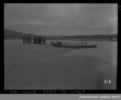 Elvebåter strandkanten