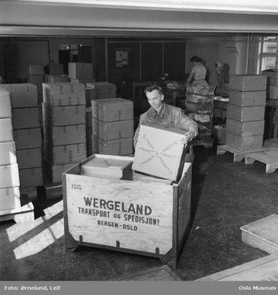 paller fra Wergeland transport og spedisjon