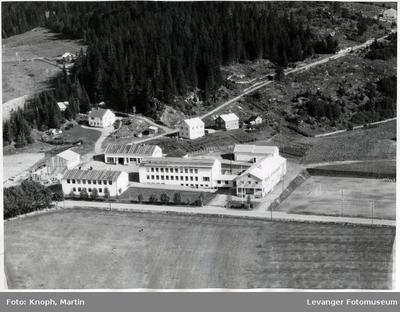 Flyfoto av Inntrøndelag Yrkesskole I