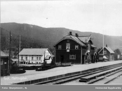 Gol jarnbanestasjon