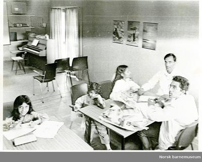 Morsmålsundervisning i urder (pakistansk).