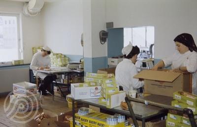 Pakking av kjøttprodukter på Bothners fabrikk