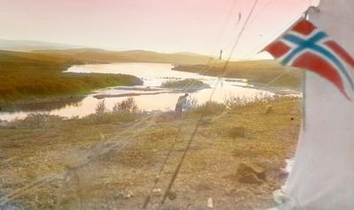 Fra foredragsrekken Landmålerlivet i Finnmark v/Axel Printz: Leir ved Mokkejavrre eller Muoratisjavrre( X-4