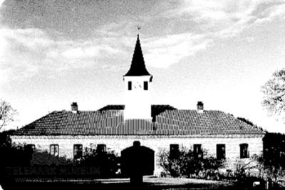 Driftsbygningen sett fra gårdsplassen