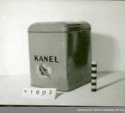 Blikkboks for kanel
