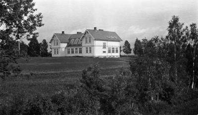 Østre Toten Kommunale Høiere Almenskole (Middelskolen/Realskolen) på Kraby ca