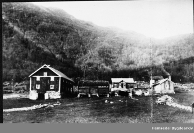 Heggjestad i Hemsedal har i daglegtale også vorte kalla Surre eller Vestafør