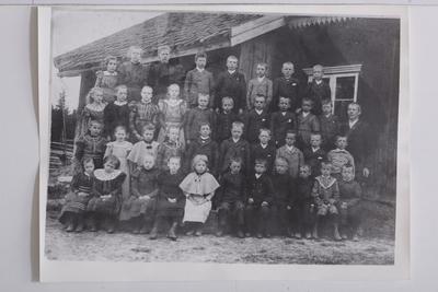 Goro skole i Høland