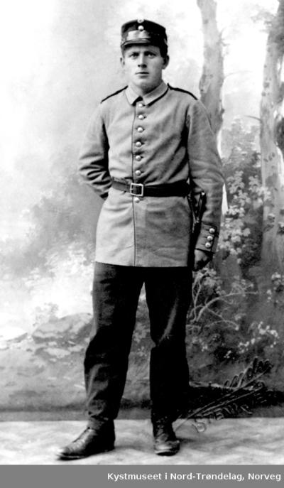 Arnt Horseng i uniform