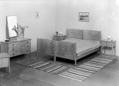 Talgø's Møbelfabrik, Todalen, foto 2 forskj. soveværelser