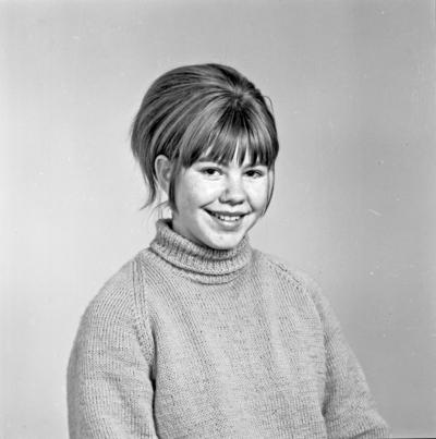 Portrett ung kvinne - bestiller Marit S