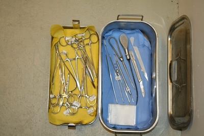Kirurgiske instrumenter.