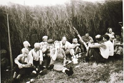 Kafferast ved ei hesje hos Emma og Wilhelm Lekang